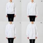 NEZUMIZARU STUDIO SHOPのネズミザルスタジオ白 Hoodieのサイズ別着用イメージ(女性)