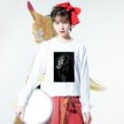 Akieem Zawadi's SHOPのPrimping Flower Long sleeve T-shirtsの着用イメージ(表面)
