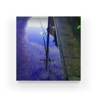 電信柱の水溜まり Acrylic Block
