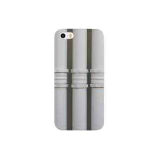 白い配管 Smartphone cases