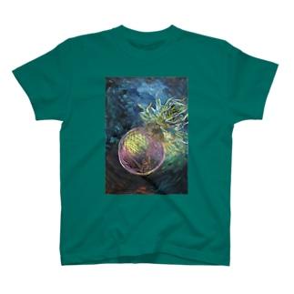 愛汰の月では T-shirts