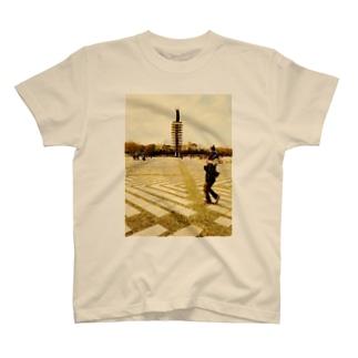 artkreのかたぐるま T-shirts
