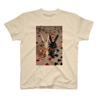 トランプうさぎ T-shirts