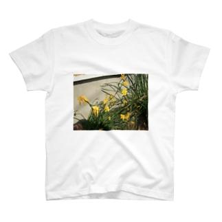 Yellow Pretty Flower Tシャツ