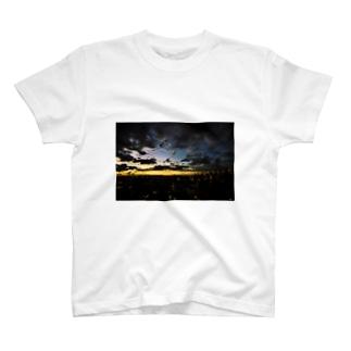 TOKYO CITY LANDSCAPE T-shirts