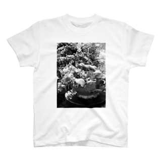 monochrome01 T-shirts