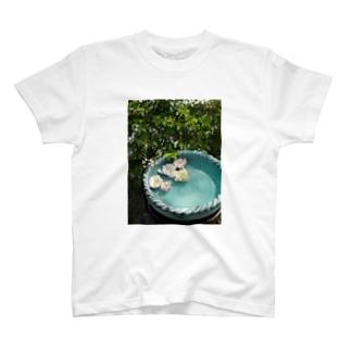 gardening02 T-shirts