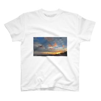 げんしょうの世界の中心 T-shirts