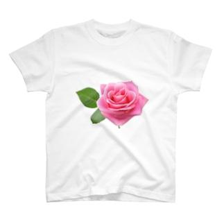 ピンクのバラ T-shirts