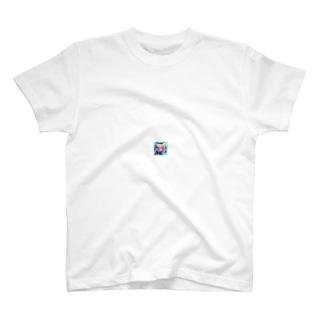 猫娘のウインク T-shirts