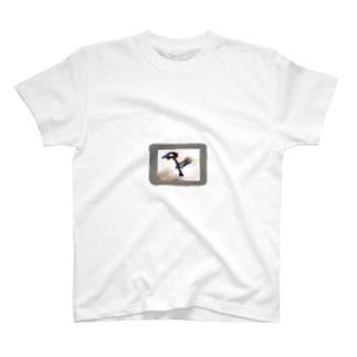 ハク画伯  二歳児の絵 T-shirts