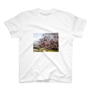 ある春の日 T-shirts