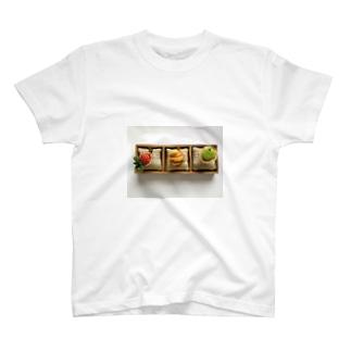 クルミトリオ T-shirts