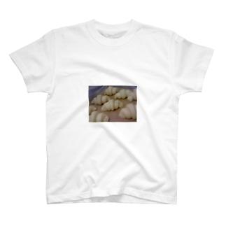 雪スナフのLove Croissant No4 T-shirts