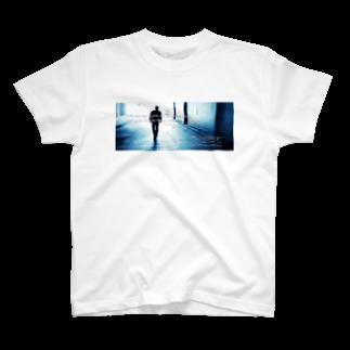 アンダーカバーのアンダーカバー「7×70倍許せ」(横) T-shirts