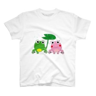 カエルの相合傘 T-shirts