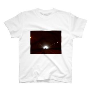 トンネル T-shirts