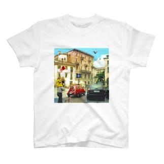 雨上がりの散歩道 T-shirts