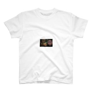 打ち上げ花火 T-shirts