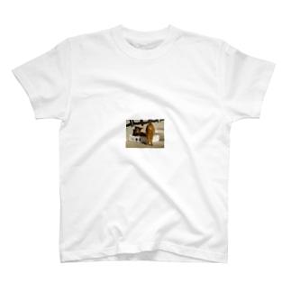 jyonasan1957の・ω・ T-shirts