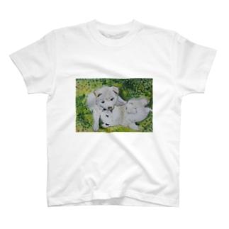 子犬の戯れ T-shirts