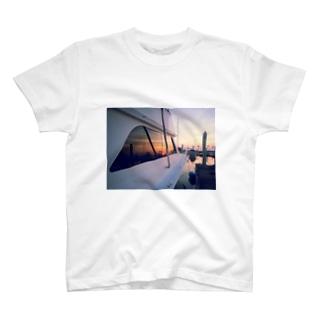 夕焼けのマリーナ T-shirts