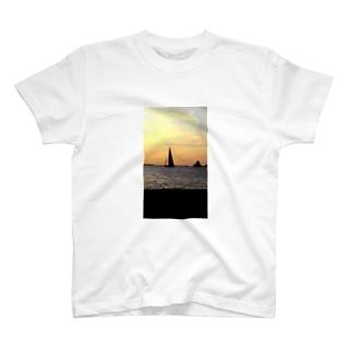 田子島とヨット T-shirts