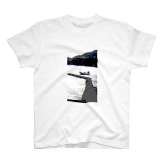大田子海岸、ヨット T-shirts