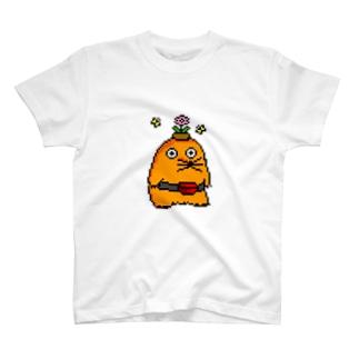 去年の暮れあたりから蝶がついてきてるモグラ T-shirts