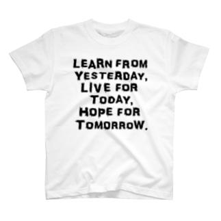 Tシャツ - Einstein - 「昨日に学び、今日を生き、明日を望む」