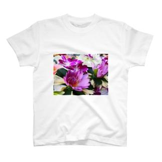 祈りへ捧げる花 T-shirts