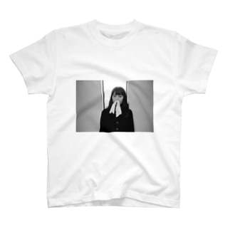 鼻からティッシュ T-shirts