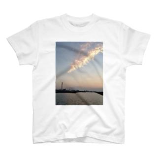 もくもくくも T-shirts