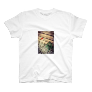 とおりすがりのごあいさつ T-shirts