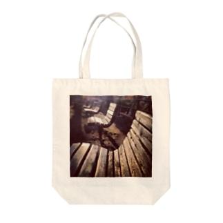 SAITO HIRONOBUのベンチ2 Tote bags