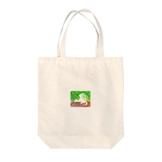 白い獣と光と緑 Tote bags