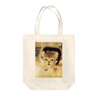 にゃぁ Tote bags