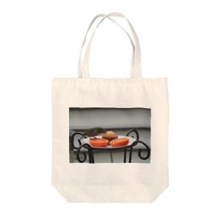 めじろNo3 Tote bags