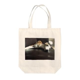 アツオのリラックスタイム Tote bags