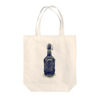 びん Tote bags
