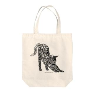 のびをする猫 Tote bags