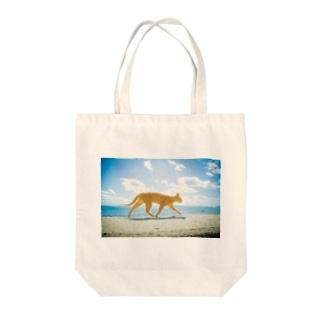 青空とネコ Tote bags