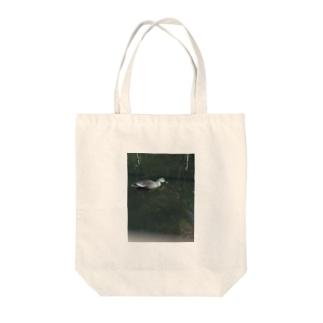 カモちゃん Tote bags