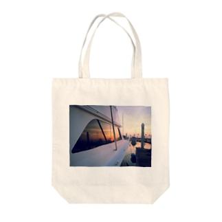 夕焼けのマリーナ Tote bags