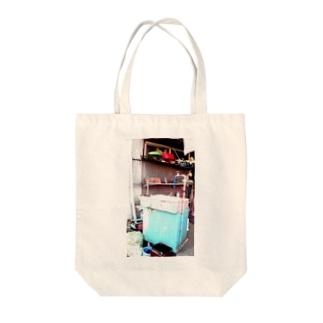 アシベズヘアの田舎の水場 Tote bags