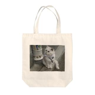 猫ですが・・・何か? Tote bags
