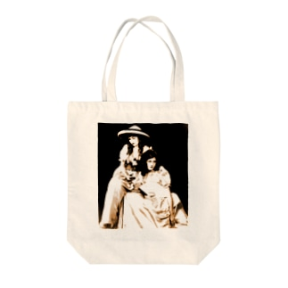 Alfred Cheney Johnston: Dorothy Gish (on the right) with Lillian Gish, 1920s Tote bags