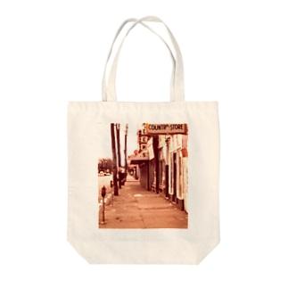LOUISVILLE WATERFRONT NEIGHBORHOOD, PORTLAND Tote bags
