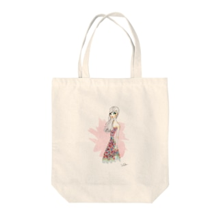 summer girl Tote bags