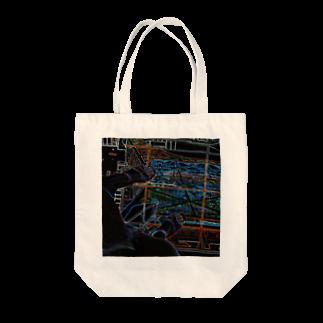 Akieem  ZawadiのTokyo Tower Sky Tote bags
